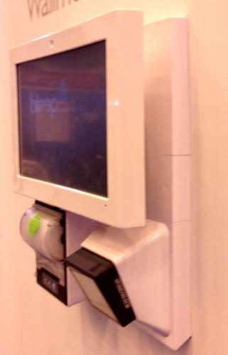 Bleep TS-9210, avec imprimante-ticket et scanner au mur!