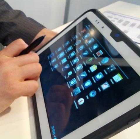 Tablette Avec Stylet Sur L'écran Avec le Stylet