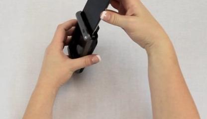 Insertion facile de l'iPod Touch dans le Honeywell Captuvo SL22