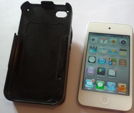 Koamtac KDC400 à côté d'un iPod