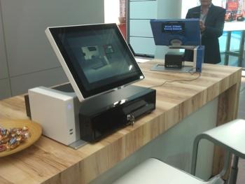 Sango d'Aures Technologies, avec tiroir-caisse placé au-dessous!