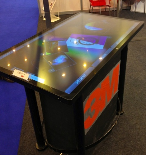 Table tactile interactive 3M